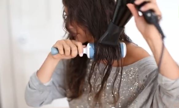 best hair dryer for frizzy dry hair blow drying